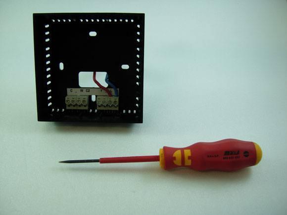 Guide d'installation du Momit Smart Thermostat