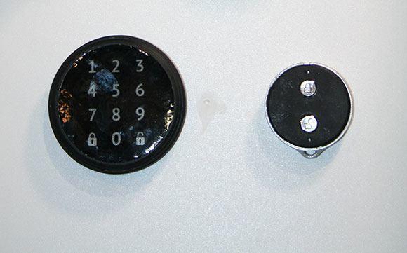 danalock_poly-control_ces2014_keypad-keyfob