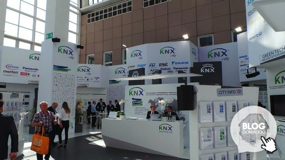 KNX_booth_light+building_2014_knx_city