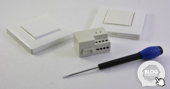 Utilisation-un-eclairage-en-va-et-vient-avec-deux-interrupteurs-sans-piles-et-sans-fils (0)