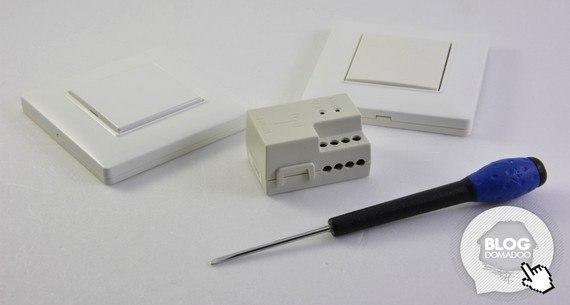 Utilisation un eclairage en va et vient avec deux interrupteurs sans piles et sans fils 0