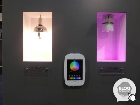 AwoX_CES2015_CamLIGHT_SafeLIGHT