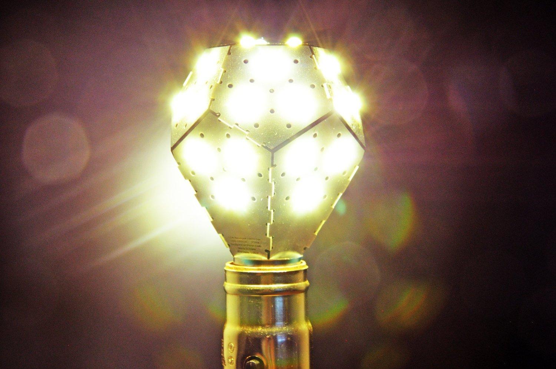 Nanoleaf, une ampoule contrôlable simplement par la voix