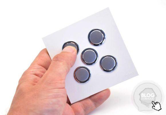 Installer des interrupteurs intelligents et élégants chez soi sans rénover en 5 minutes