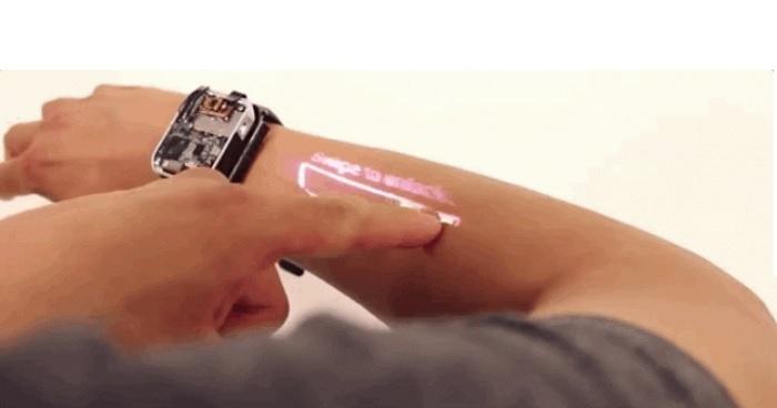 montre connectee LumiWatch avant bras