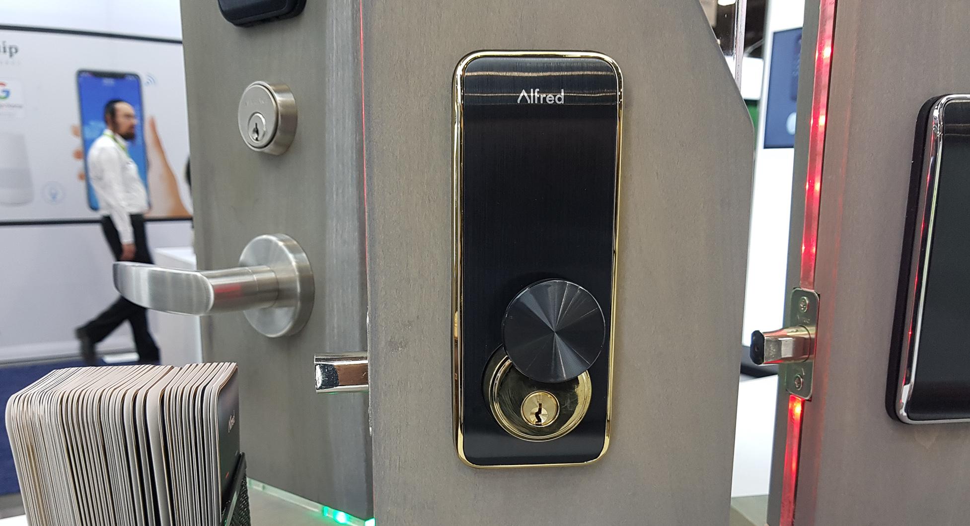 #CES2019 : Découverte de la serrure connectée Alfred avec clavier intégré en Z-Wave