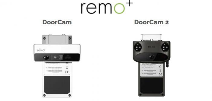 La caméra de surveillance Remo+ DoorCam se pose sur la porte