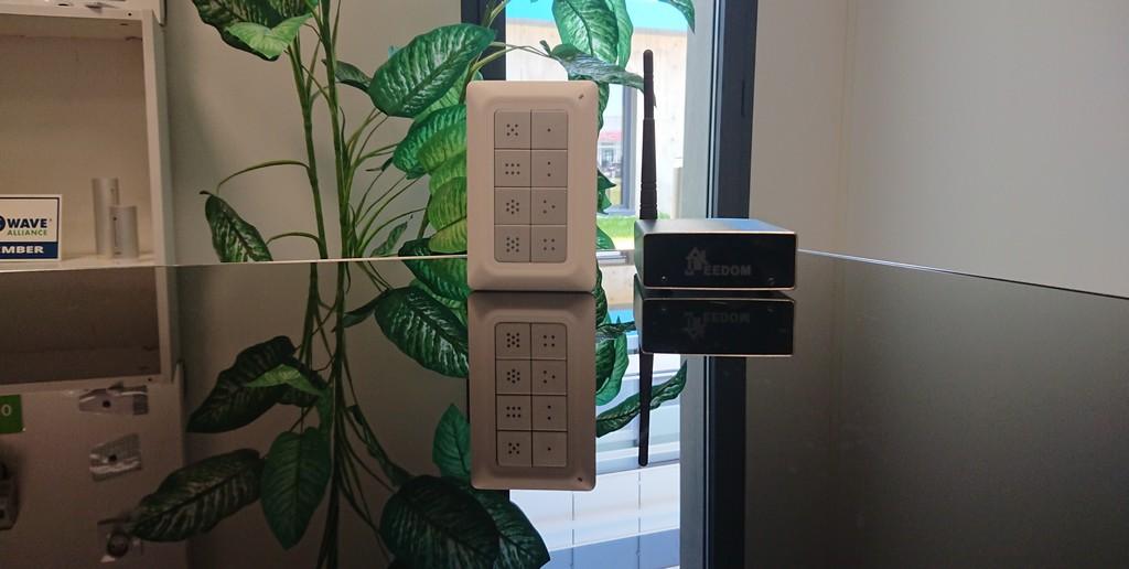 Comment contrôler différents dispositifs avec une télécommande intelligente sur Jeedom