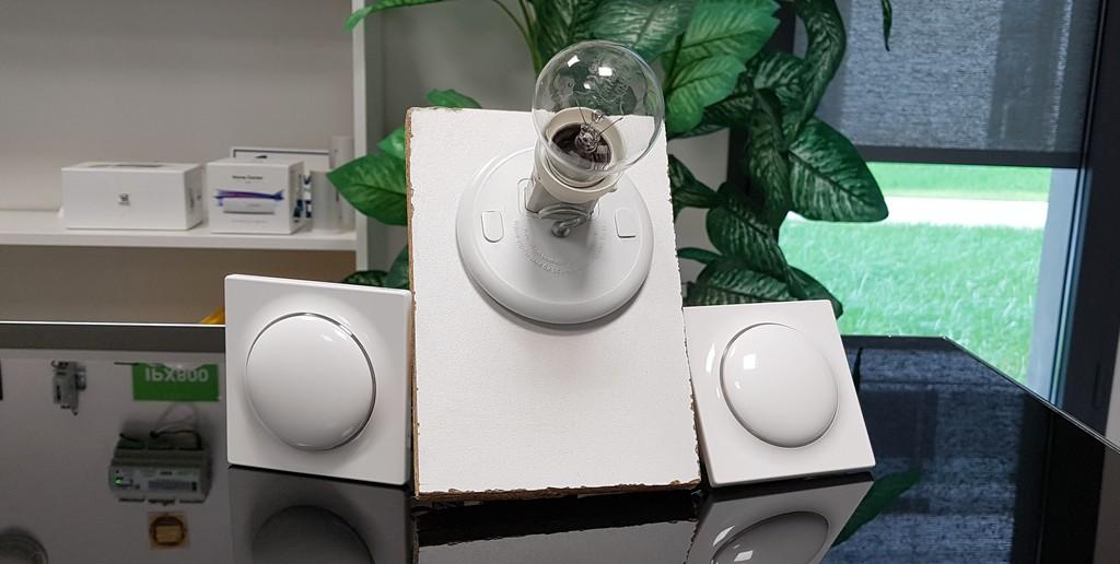 Comment créer un va et vient avec les interrupteurs intelligents Walli et la box Fibaro ?