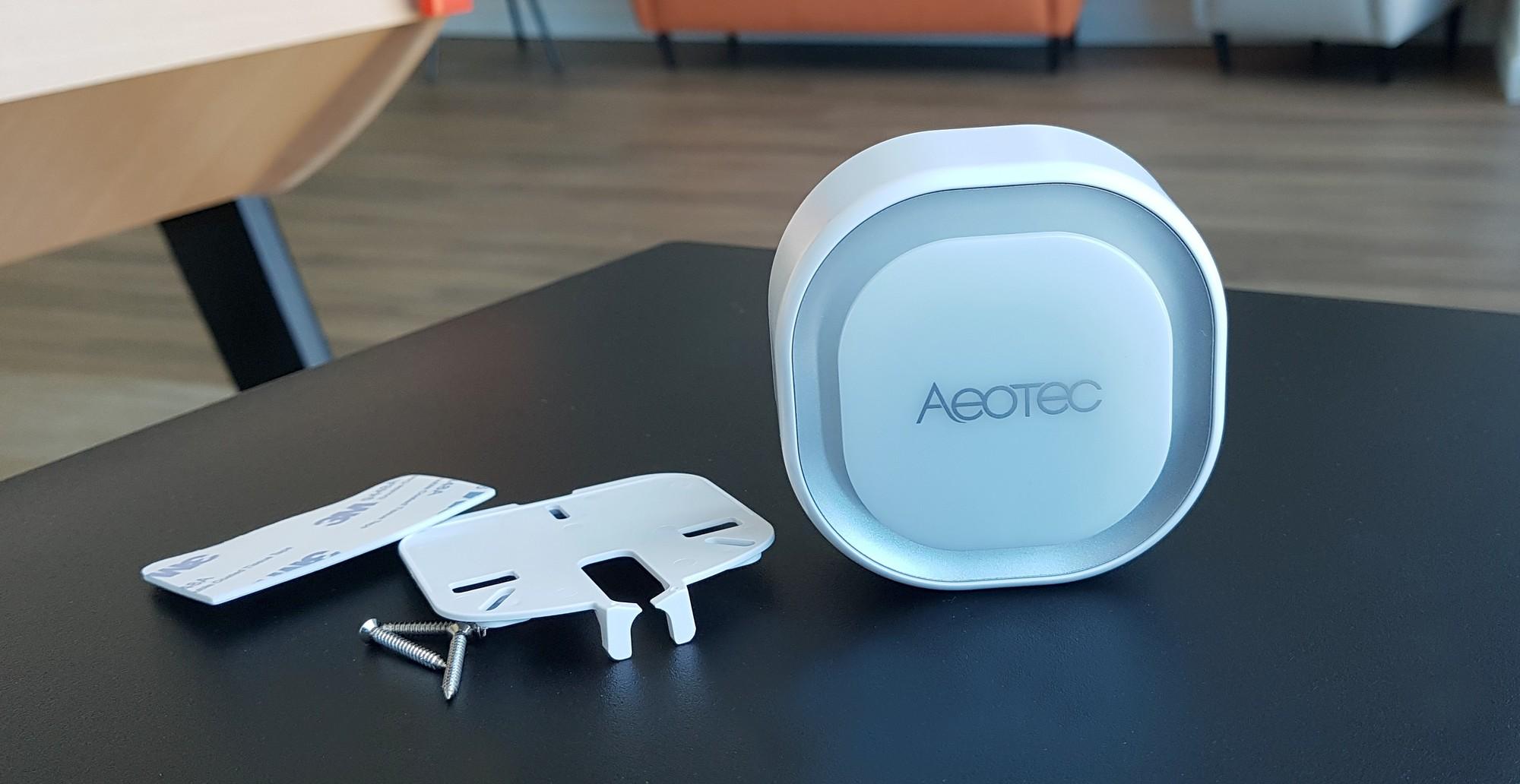 Support de fixation de la sirène connectée Aeotec