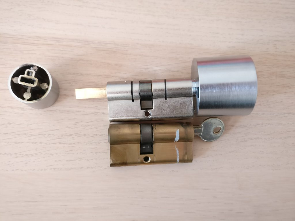 bold smart cylinder installation02