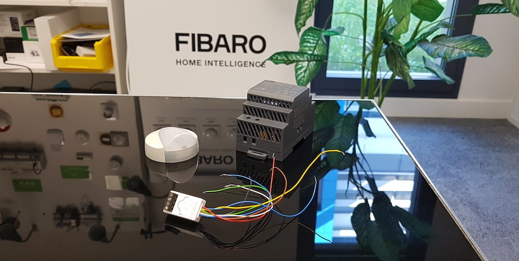 Comment récupérer les valeurs d'un capteur analogique 0-10V en Z-Wave avec le Smart Implant de FIBARO