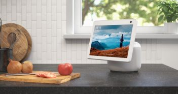 echo show 10 glacier white kitchen scaled e1600973320544